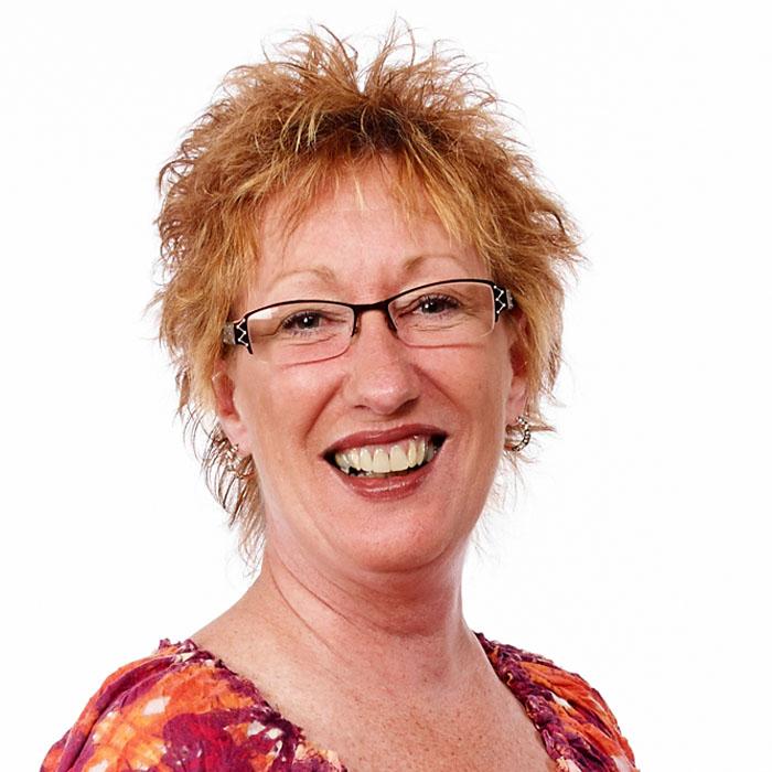 Diana Martinusek : Executive Assistant